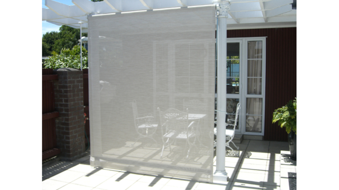 Crank rolled outdoor blinds image 9